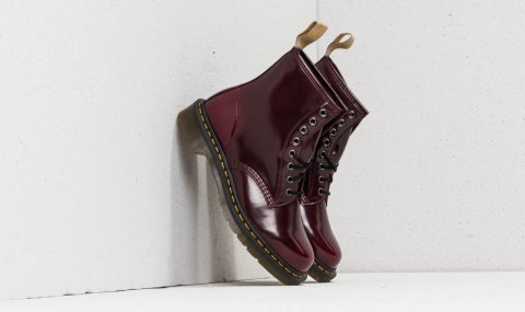 Dr. Martens Cambridge Brush Cherry Red