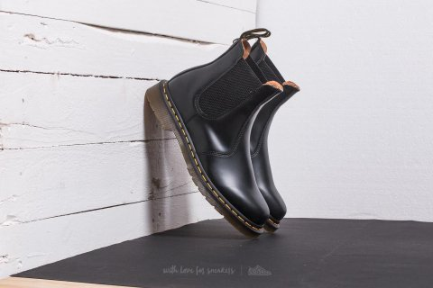 Dr. Martens Smooth Black